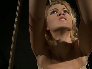 Hanged F slave gets punnished by domina